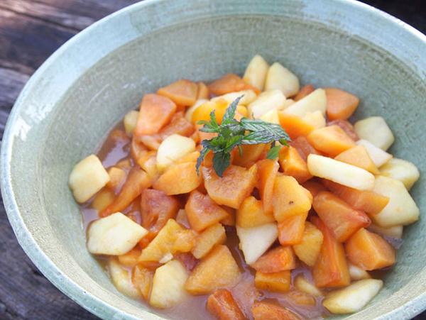柿とりんごのバターキャラメルソース小